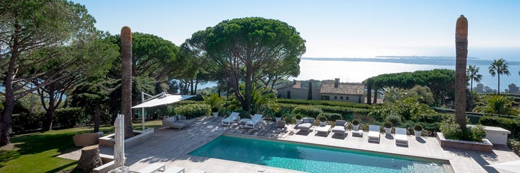 Luxury real estate in Super Cannes